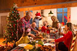 family-christmas-dinner